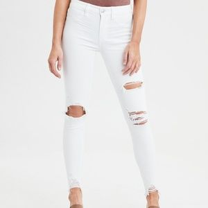 American eagle white skinny distressed jeans